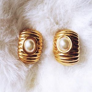 Vintage Napier Pearl Earrings